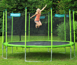 welches trampolin ist das beste im test wie sicher f r kinder. Black Bedroom Furniture Sets. Home Design Ideas